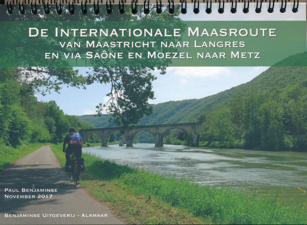 (aanbiedingsprijs) De Internationale Maasroute * 9789077899243  Benjaminse Uitgeverij Onbegrensd Fietsen  Fietsgidsen Noordoost Frankrijk, Wallonië (Ardennen)