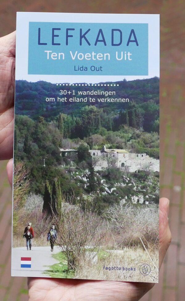 Lefkada Ten Voeten Uit | wandelgids Lefkas 9789606685248 Lida Out Fagotto Books   Wandelgidsen Ionische Eilanden (Korfoe, Lefkas, etc.)