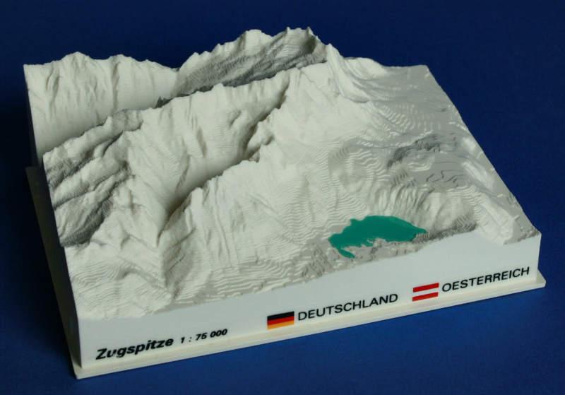 Zugspitze - reliëfmaquette op schaal 1:75.000 ZUGSPITZE  Reliorama   Wandkaarten Beierse Alpen