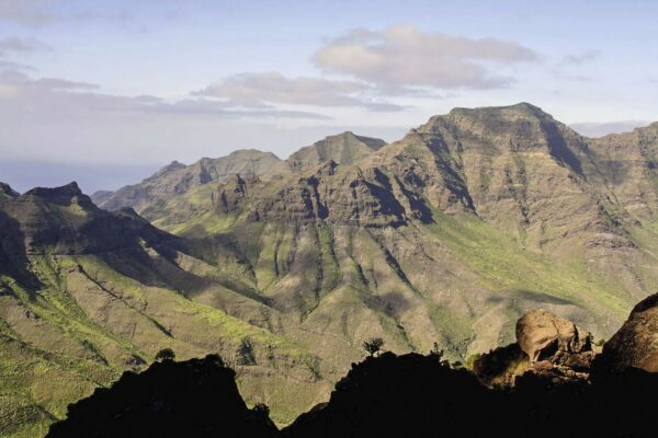 Walking on Gran Canaria 9781852848545 Paddy Dillon Cicerone Press   Meerdaagse wandelroutes, Wandelgidsen Gran Canaria