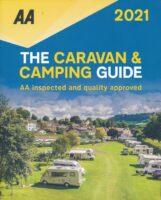 Britain Caravan and Camping Guide 2021 9780749582548  AA Publishing   Campinggidsen Groot-Brittannië