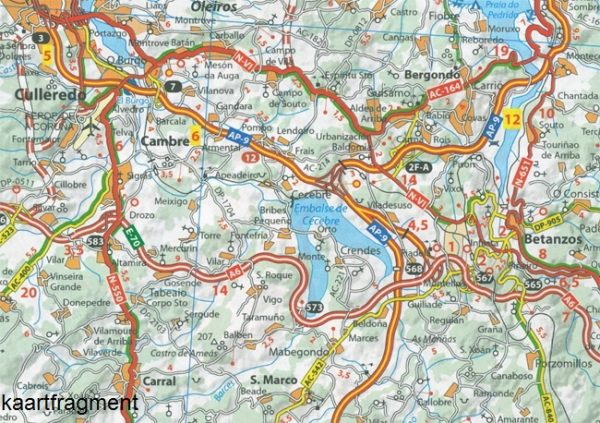 141  Costa de Galicia - zoom 1:150.000 9782067217997  Michelin Michelin Spanje, Zoom  Landkaarten en wegenkaarten, Santiago de Compostela Noordwest-Spanje