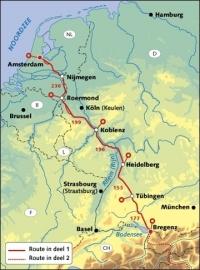Reitsma's Route naar Rome, deel 1 9789064558467 Reitsma Pirola Pirola fietsgidsen  Fietsgidsen, Meerdaagse fietsvakanties Duitsland