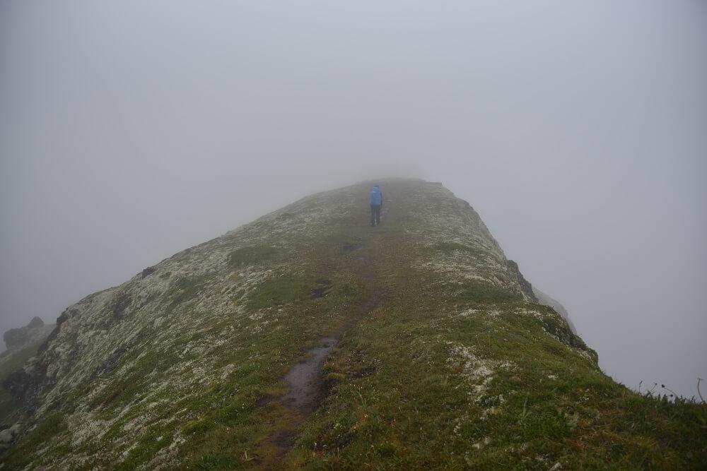 Regen Hornstrandir IJSland wandelen