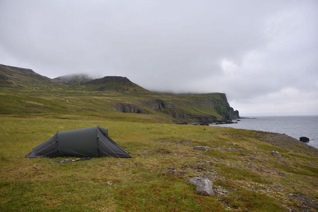 Overnachten tijdens wandeling IJsland hornstrandir